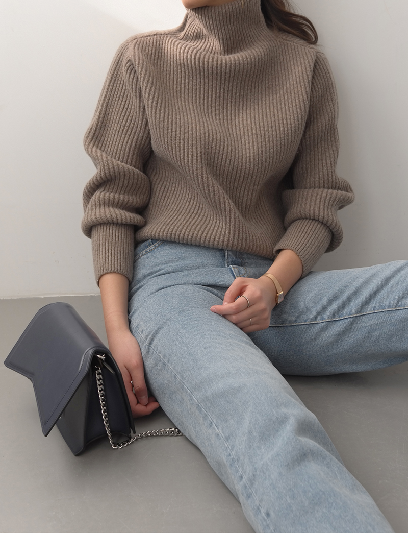 TURTLE-NECK PULLOVER